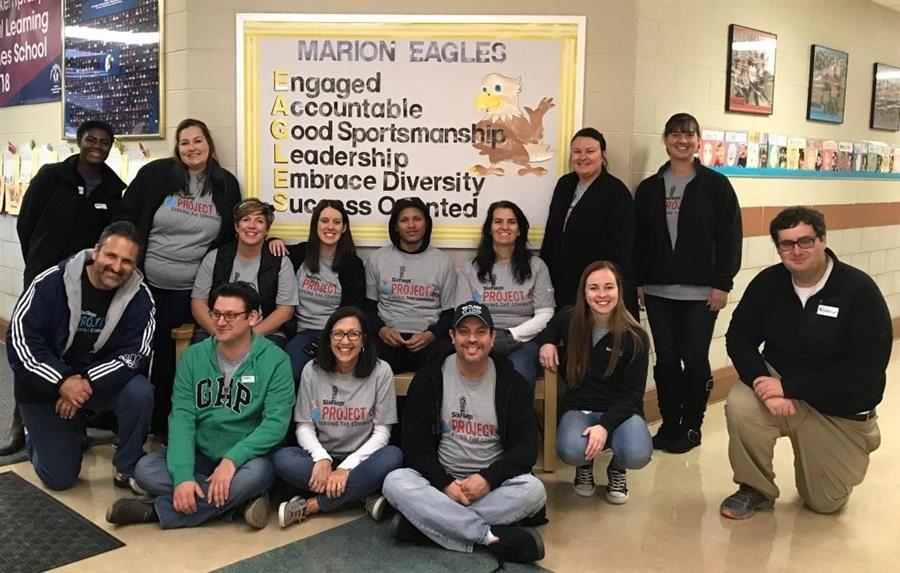 KidSmart-Six Flags volunteers at Marion Elementary