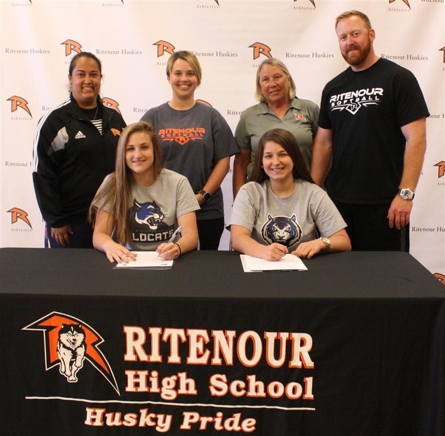 Andrea Wanta and Shelby Beile sign to continue their softball career next year in college.