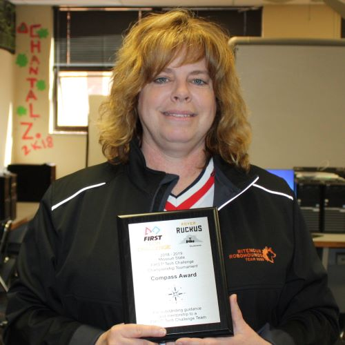 RoboHounds' Coach Earns State Recognition