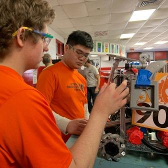 Ritenour Robohounds Win Four Awards, Qualify for State